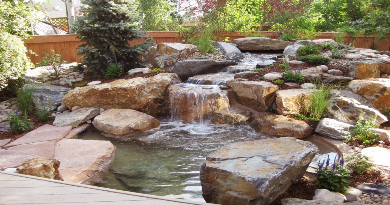 Choosing the Best Landscaping Stones for use in Backyards