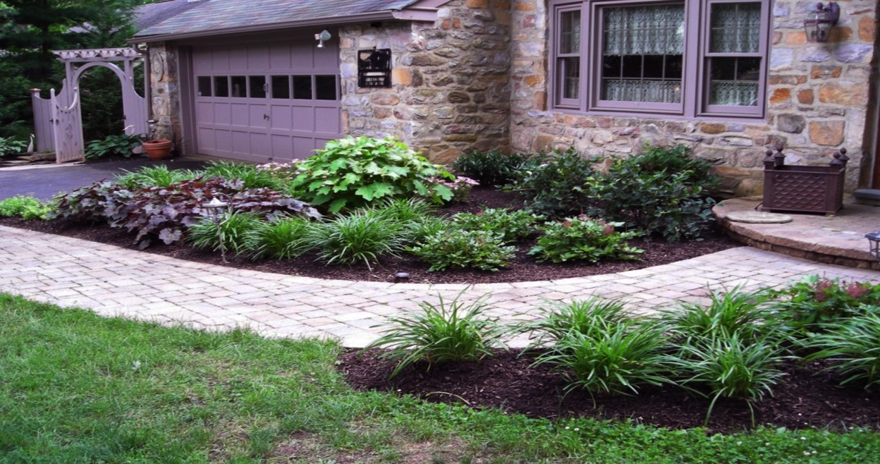 Tips on Building Patios and Walkways using Paving Stones or Bricks
